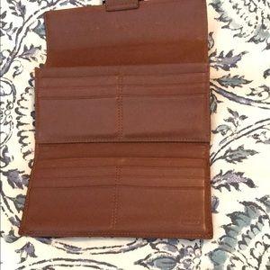 Coach Bags - Coach signature wallet